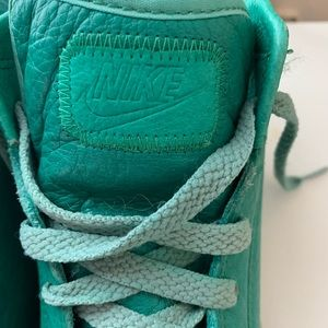 Vintage 80s Teal Green Nike Classic Sneakers sz 9